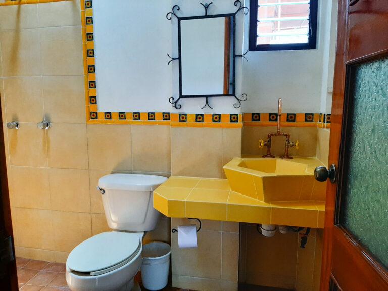 Al Sol Oaxaca Apartment 10 Bathroom